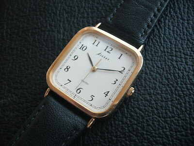 VINTAGE  SEIKO AVENUE YELLOW GOLD PLATED FROM 80's LOT 9