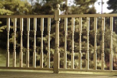 20 x HIGH QUALITY Edwardian Turned Green Treated Decking Spindles 41MM x 895
