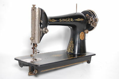 Antique Singer Model 66 Sewing Machine Excellent  Working Made in 1930
