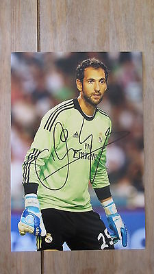 """Genuine hand signed """" DIEGO LOPEZ - REAL MADRID """" 12"""" x 8"""" photograph WITH COA"""