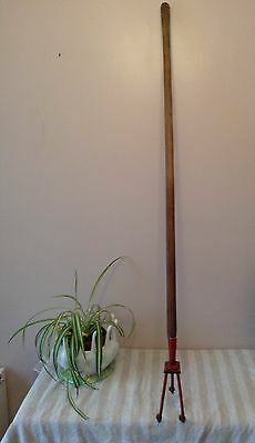 old vintage 3 tined drag hoe cultivator red long handle Fork
