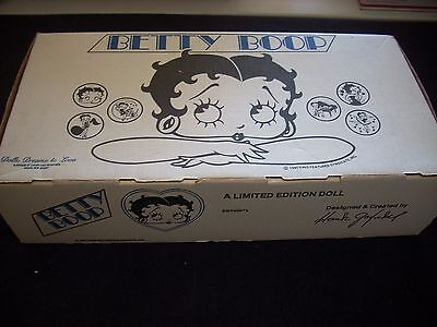 Betty Boop Limited Edition Dolls Dreams and Love, King Features, 1980