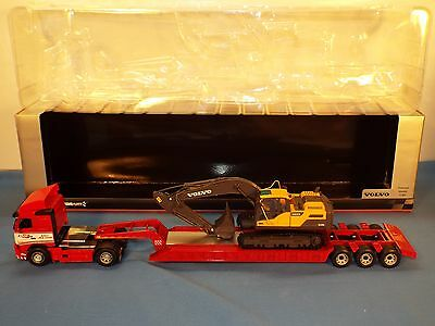 Motorart No 300037 Volvo FH and Low loader with Volvo EC220D New