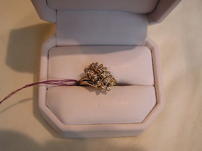 14 Kt---Yellow Gold---Cluster---Women's Ring---Size 6 1/2