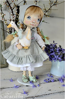 OOAKl ART TEXTILE VINTAGE STYLE HANDMADE DOLL- UNUSUAL GIFT HOME DECORATION