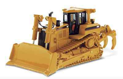Diecast Masters 85099 1:50 Cat D8R Tracked Bulldozer (Dealer Box)
