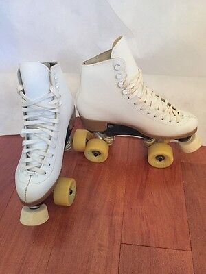 Riedell Woman's 7 #112W White Roller Skates Sure Grip Plate Fame Wheels