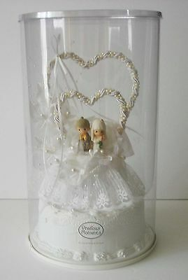 Precious Moments Wedding Cake Topper Bride & Groom / Hearts  NIP