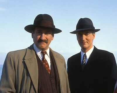 Hugh Fraser and Philip Jackson UNSIGNED photo - H2205 - Poirot