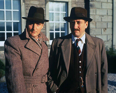 Hugh Fraser and Philip Jackson UNSIGNED photo - H2239 - Poirot