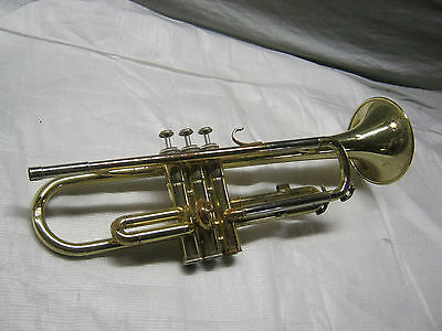 YAMAHA TROMPETE / TRUMPET YTR 2320 -- made in JAPAN