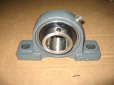 "DAYTON 3FCR8 Pillow Block Bearing, Ball Bearing Type, 2"" Bore Diameter"