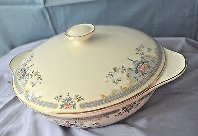 Royal Doulton Romance Collection Juliet H5077  Covered Serving Bowl