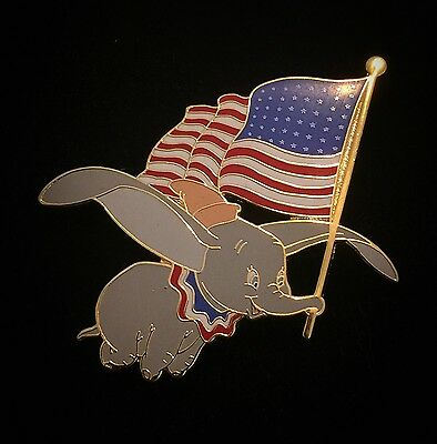 LE 500 Patriotic Dumbo American Flag July 4 Independence Day Disney Auctions Pin