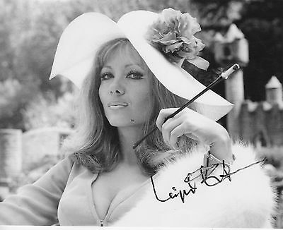 INGRID PITT - SIGNED PORTRAIT  (C 466)s 144 Certified House That Dripped Blood