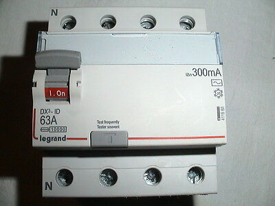 INTERRUPTEUR DIFFERENTIEL 63A 300mA TETRAPOLAIRE TRIPHASE +N LEGRAND 63 AMPERES