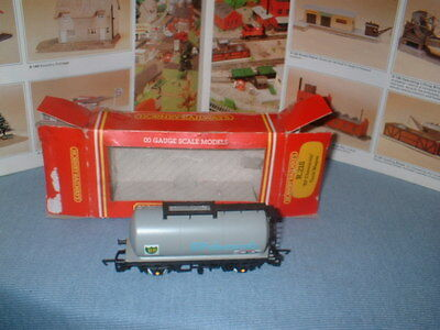 Hornby r218 BP chemicals tank wagon and box - 00 gauge