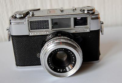 Vintage 1960'S Yashica Minister 35Mm Camera With Carry Case