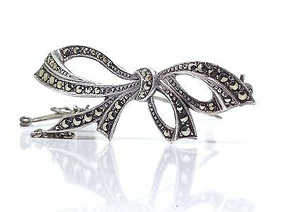 VINTAGE 1940s Sterling Silver & Marcasite Beautiful Bow Shaped Brooch