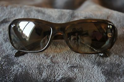 Authentic Ray-Ban sunglasses Gradient lense RB4121  710/51 2N
