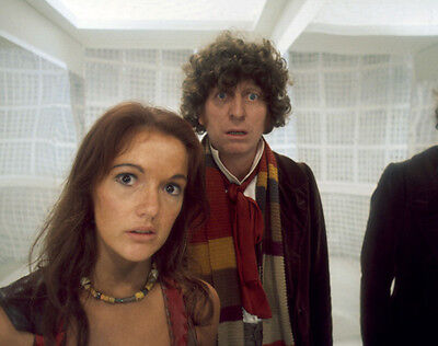 Tom Baker and Louise Jameson UNSIGNED photo - H2481 - Doctor Who