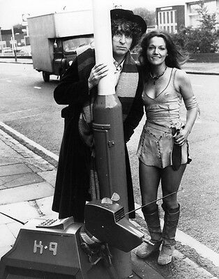 Tom Baker, John Leeson and Louise Jameson UNSIGNED photo - H2477 - Doctor Who