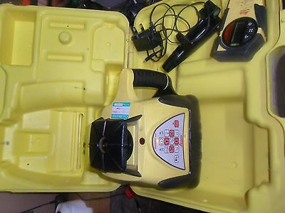 LEICA Rugby 200 Rotary Laser Level with detector and charger