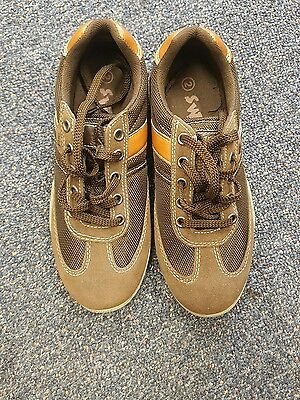 Boys Size 2 casual shoes