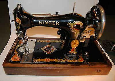 Singer Sewing Machine Model 128 Vintage Antique 1924 with Case and Accessories