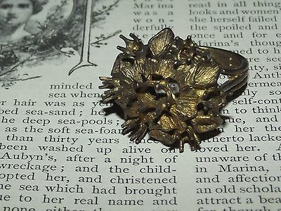 Old Vintage METAL RING WITH MISSING STONES For Craft Upcycle Repair Broken (C40)