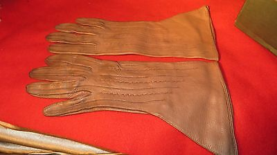 Lovely Pair Of Ladies Vintage Dents Unlined Tan Lambs Leather Gloves -