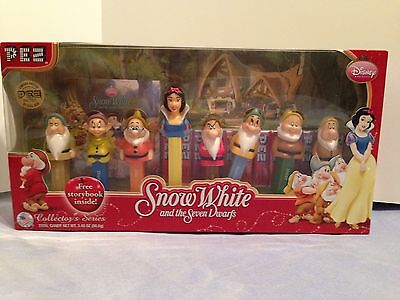 Disney Snow White and the Seven Dwarfs Collector's Series PEZ set