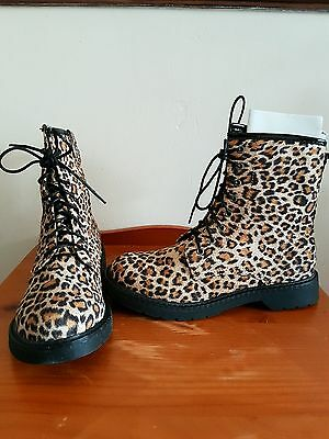 leopard print velour feel ankle boot 5 new without box