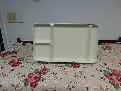 Set of 4 Tupperware Almond Lunch/ Picnic Trays # 1535
