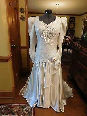 Stunning Vintage 1970's - 1980's Wedding Gown Ivory Charmeuse & Lace Size 14
