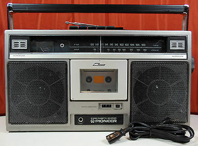 Vintage 1980's Pioneer SK-11 Portable Boombox /Ghettoblaster. Free Shipping !