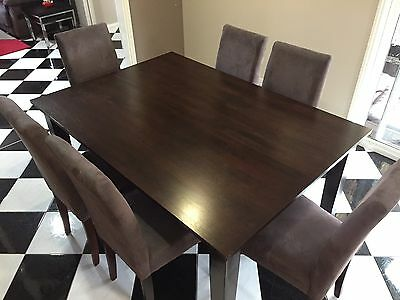 6/8 Seat Dinning Table