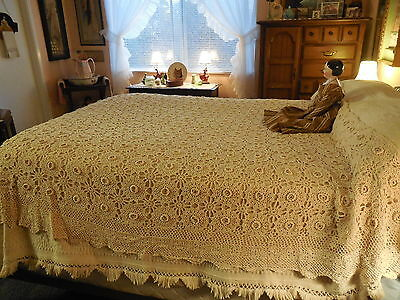 Antique Vintage Hand Crocheted Cotton Bed Coverlet Bedspread Floweretts 72x85""