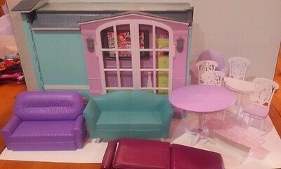 Barbie My House Kitchen Living Room 2007 Playset Fold Up Dollhouse & Accessories