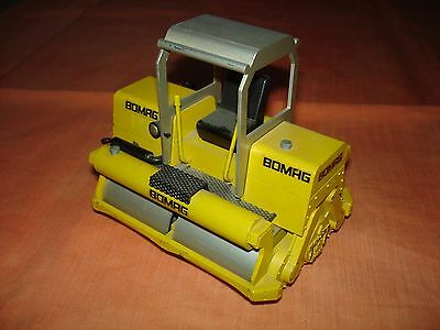 BOMAG BW 200 Walze – 1:24 ohne Verpackung – graues Dach – siehe Fotos