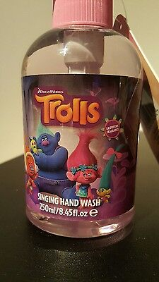 DreamWorks Trolls SINGING hand wash kids fun bath bed time soap raspberry fr