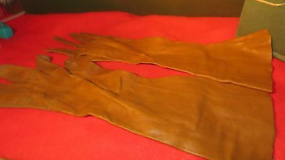 Vintage Pair Of Ladies French Long Tan Kid Leather Gloves - Size 6 3/4