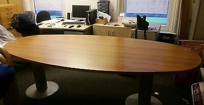 office boardroom table 2.2m by 1.1 m in wood and used condtion