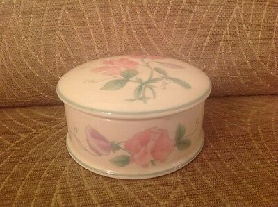 Vintage Wedgwood Fine Bone China Sweet Pea Lidded Trinket Pot