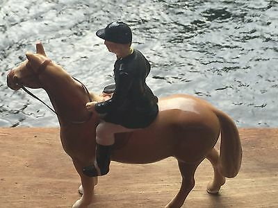 VTG HORSE AND RIDER FIGURINE HUNTSMAN EQUESTRIAN Made in Japan Beswick  Look