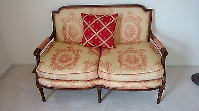 French Provincial settee - shabby chic - must move this week
