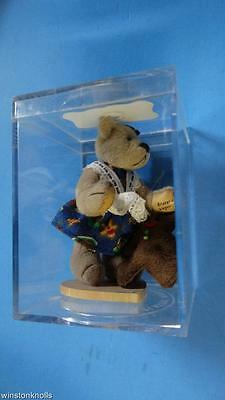 MINIATURE LITTLE GEM GRETAL AND GINGER TEDDY BEAR Designed by Lisa Lloyd IN CASE