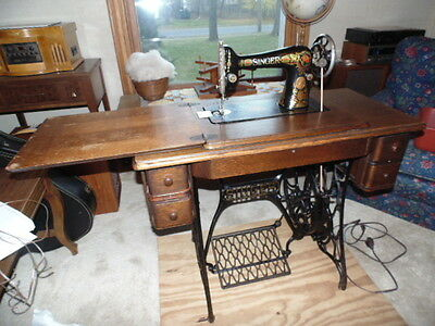 Singer Treadle Sewing Machine 66 Red Eye (Serviced Clean Working w Belt On) 1910