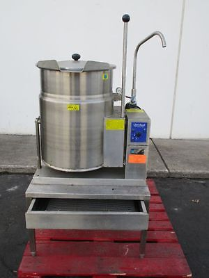 Cleveland Kgt-12-T 12Gal Natural Gas Tilting Steam Jacketed Soup Kettle W/ Stand
