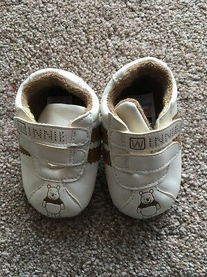 Disney Winnie The Pooh Baby Shoes Age 3/6 Months
